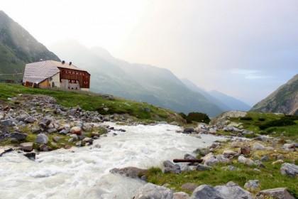 1 Sulzenauhütte Stubaier Höhenweg WildeWasserWeg