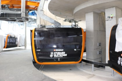 tvbstubaitirol-3s-eisgratbahn-talstation-gondel