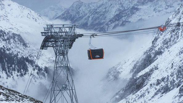 Gondel der neuen 3S-Bahn am Stubaier Gletscher