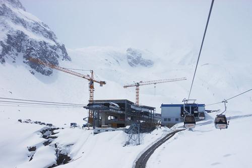 Die Mittelstation Eisgrat am Stubaier Gletscher