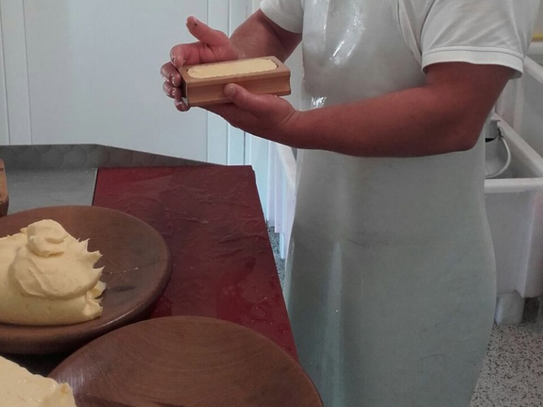 Butter machen Schlickeralm| TVB Stubai