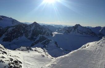 panoramablick bergstation wildspitz-stubaier gletscher
