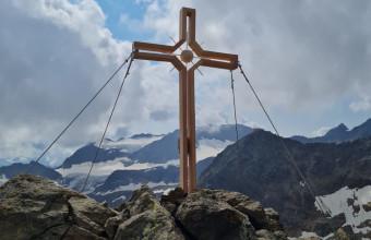 Gipfelkreuz-Roter Grat-Pfurtscheller_01