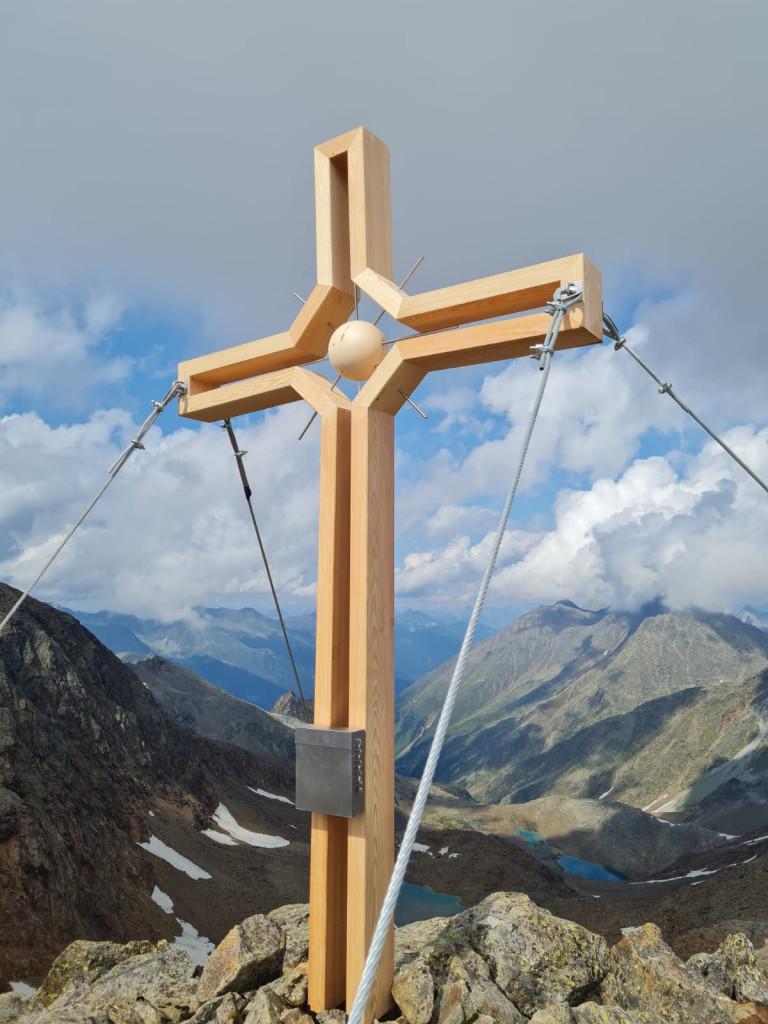 Gipfelkreuz_Roter Grat_hell
