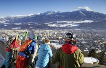 Skiers Hungerburg Innsbruck-c-Innsbruck Tourismus-Christian Vorhofer (low)